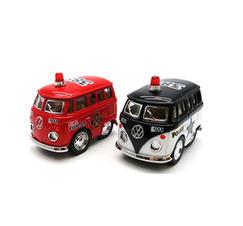 Minivan brandbil och polisbil
