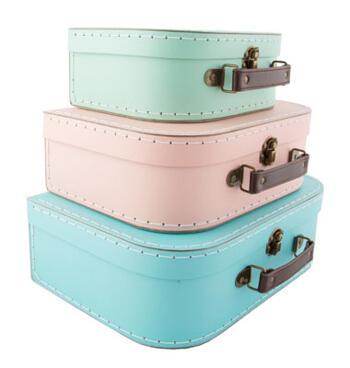 Väskor i olika färger