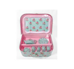Teservis i picnicväska